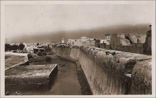 O pano Sul da muralha visto do Baluarte do Anjo