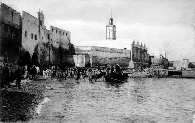A doca dos portugueses e a Mesquita El Hamra