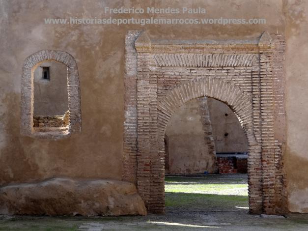 Porta do castelo Azamor