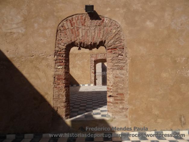 Porta no castelo de Azamor